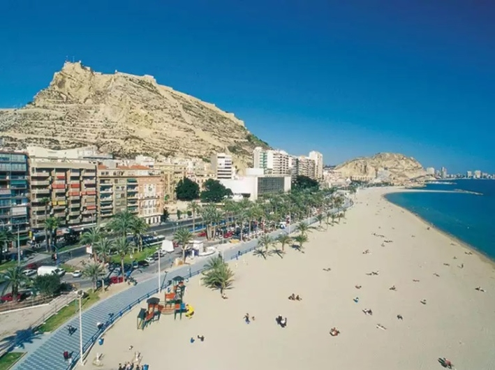 Apartamento en Alicante con plaza de parking 10708