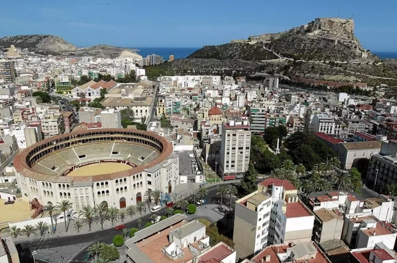 Apartamento en Alicante con plaza de parking 10710